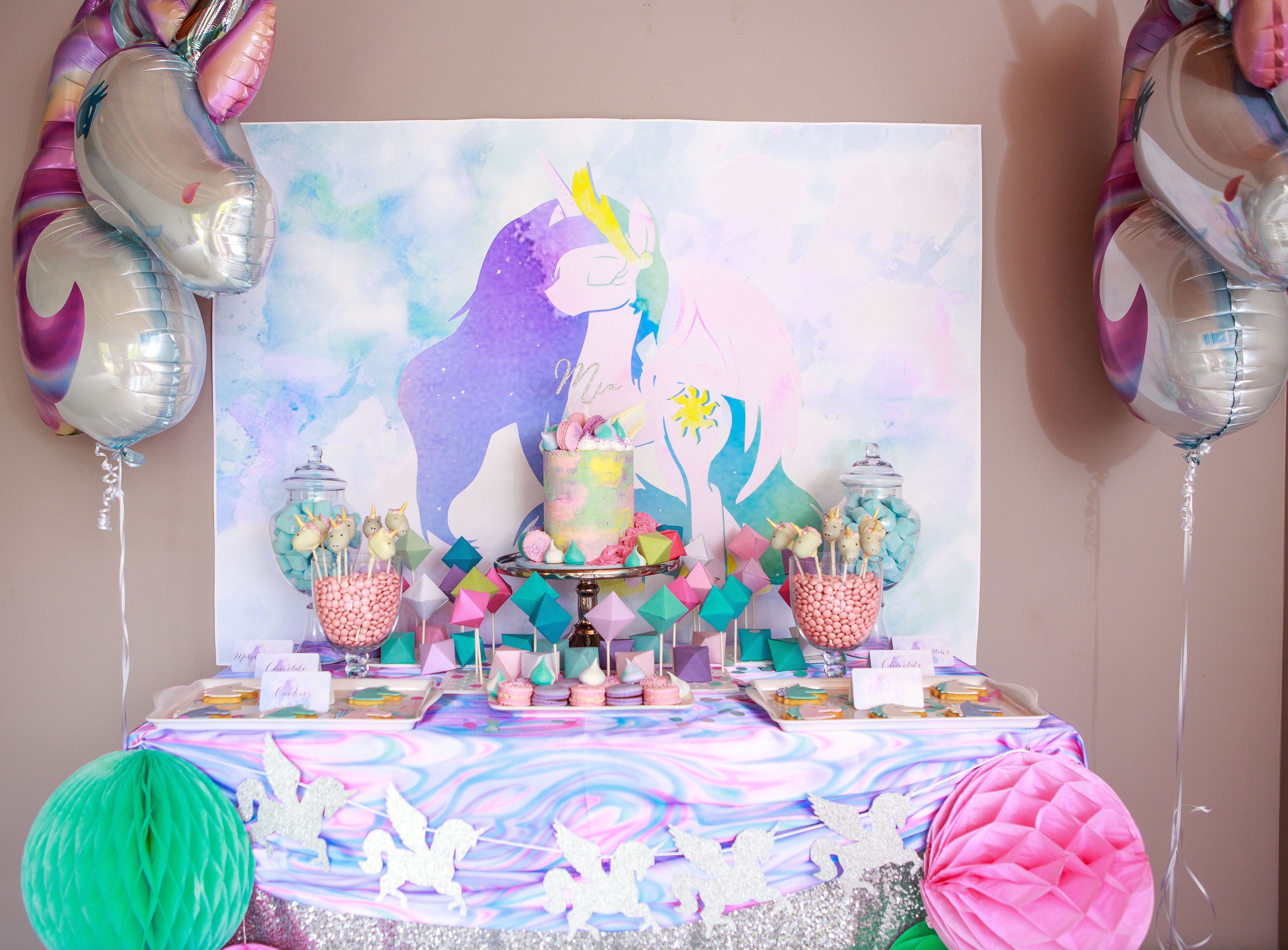 Unicorn party - Party Pony Designer Pinatas