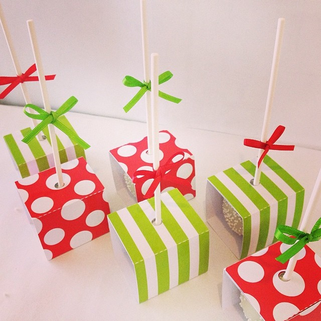Red white spot cake pop boxes - PS Made With Love