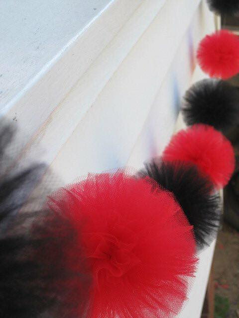 Black and red pom pom garland - Pom Pom Princess