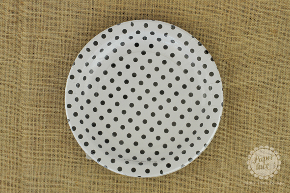 Black and white dotted plates - Paper Face