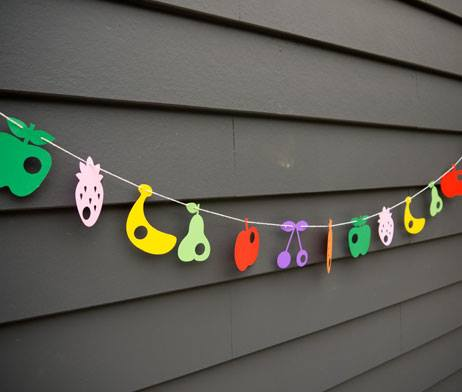 Hungry Caterpillar food garland decoration - Small Favours