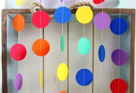 Rainbow dot garland - Favor Lane