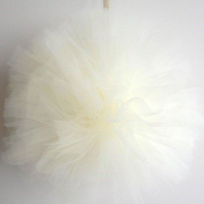 Ivory tulle pom pom - Ruby Rabbit Partyware
