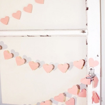 Pink heart garland - Ruby Rabbit Partyware