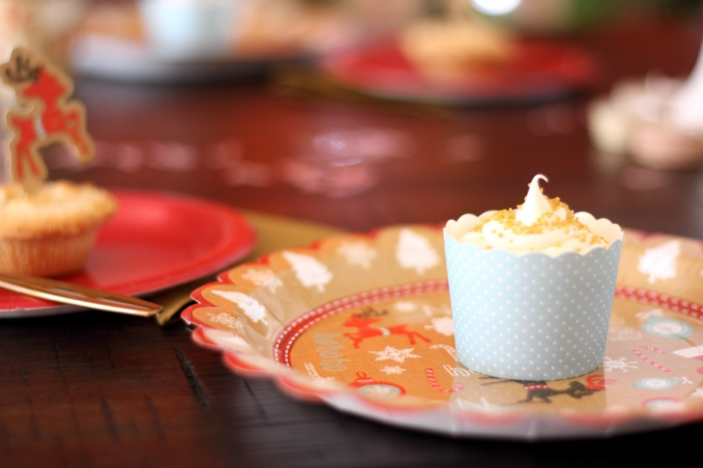 Baking cups and plates as part of the Vintage Christmas party kit, $50 - The Kit Source