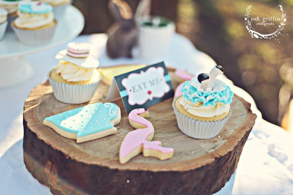 Alice in wonderland cookies and cupcakes - One Sweet Chick (Sydney)