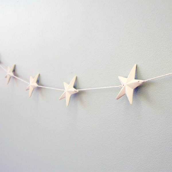 White ceramic star garland - Hip and Hooray