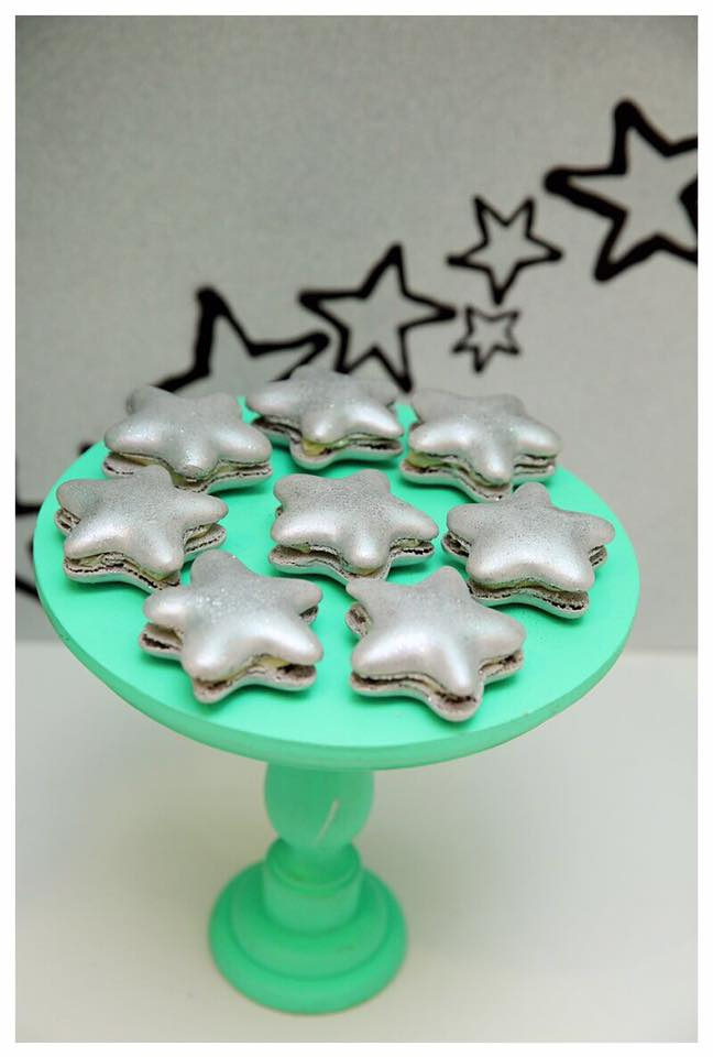 Star macarons - Arelio Sweetbox