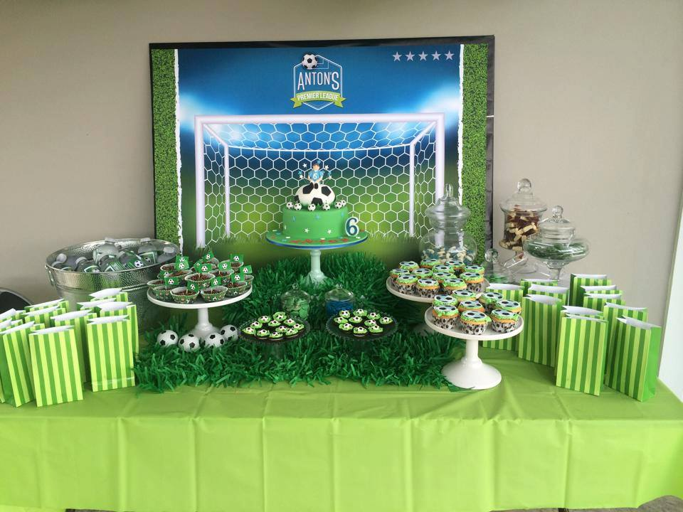 Soccer party backdrop - Paper Face