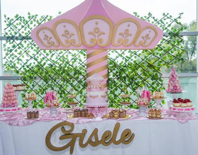 Foam carousel and name by Foamtastic. Styling by Party in a package
