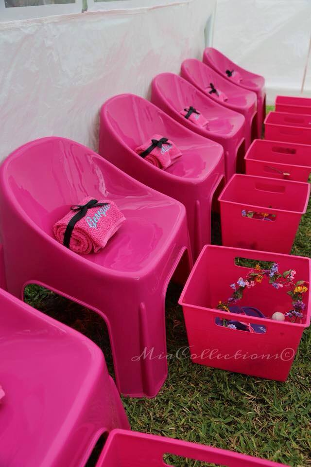 Pink bubble chairs for hire - Tiny Tots Toy Hire (Sydney)