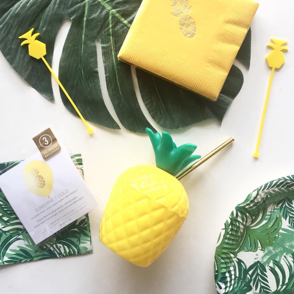 pineapple drinking cups - favor lane party boutique