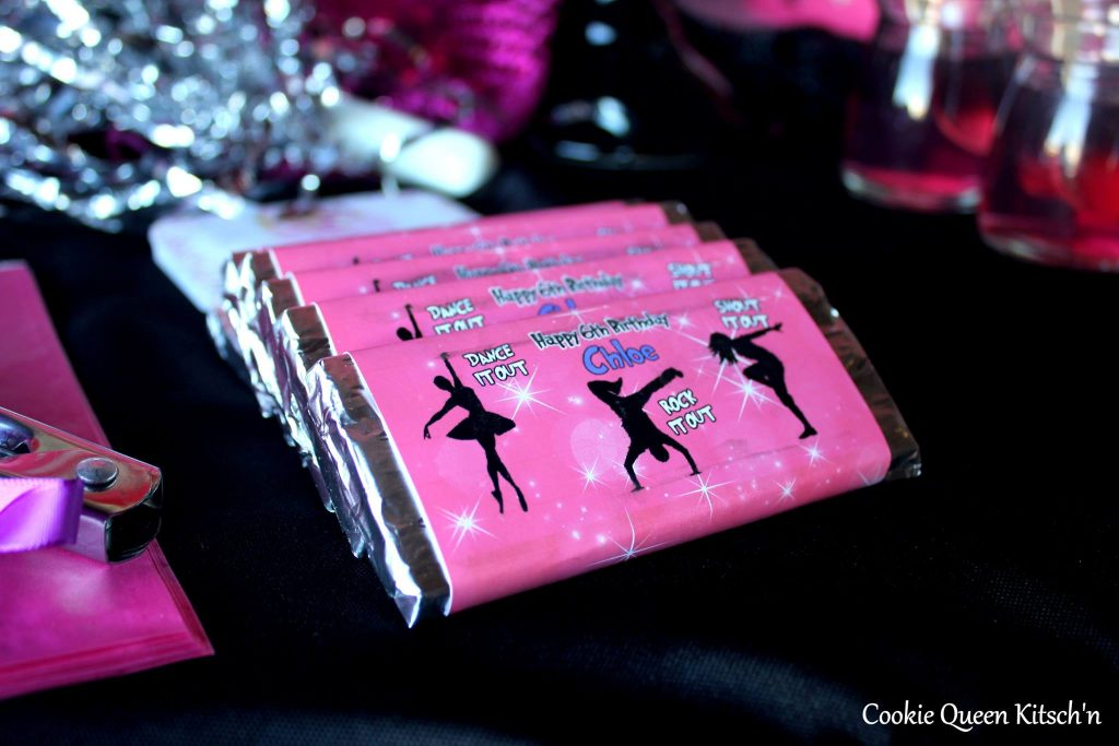 Chocolate bar favours - Cookie Queen Kitsch'n