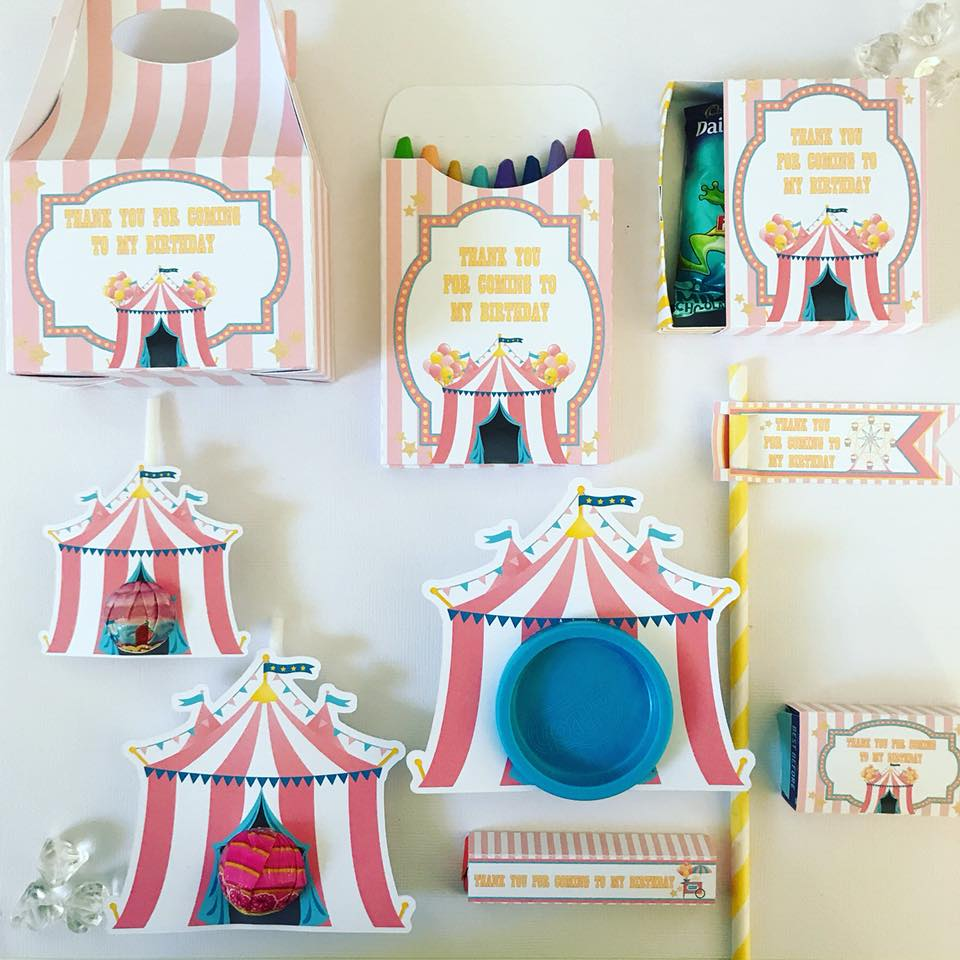 carnival party favours